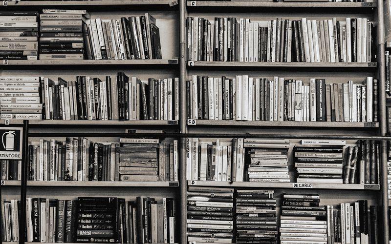Black-and-white-library-free-desktop-wallpaper-1920x1200